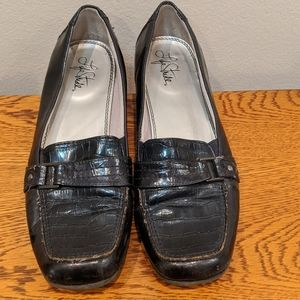 Life Stride Black Loafers Women's Size 9